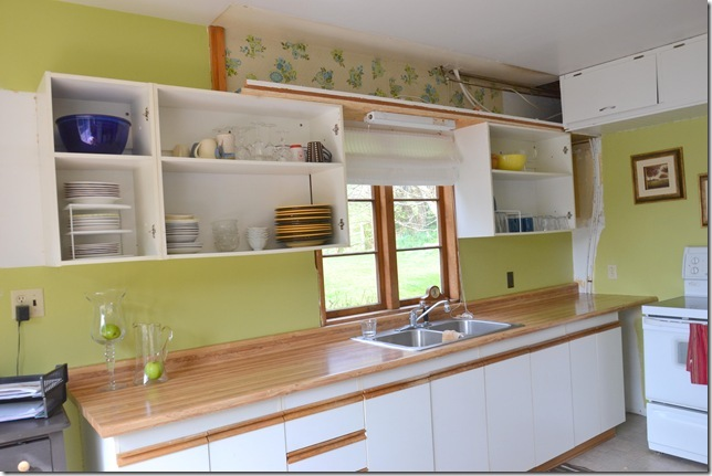 How to Live with Open Kitchen Cupboards