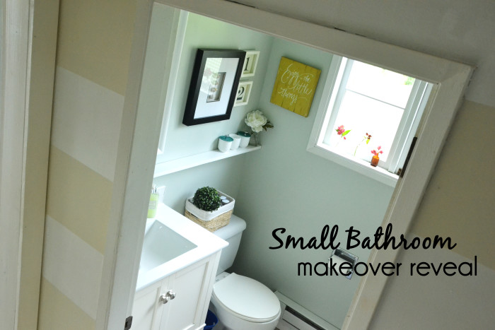 Small Bathroom Makeover at harbourbreezehome.com