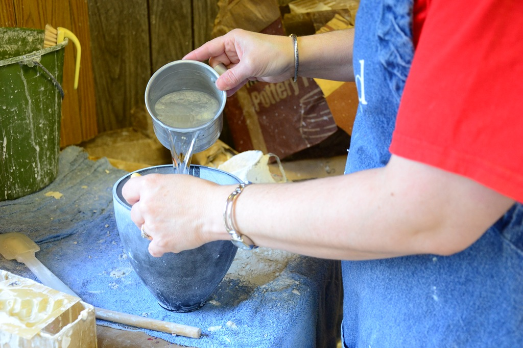 Plaster Powder To Water : How to pour plaster moulds camp craft idea harbour