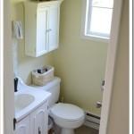 Our {Retro} Main Bathroom