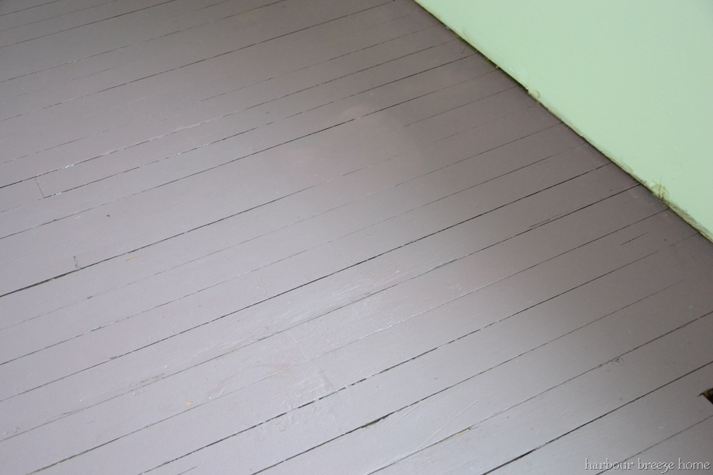 How to Paint an Old Wood Floor Using a Small Amount of Paint