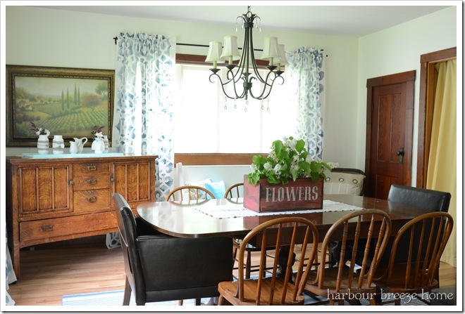 rustic farmhouse dining room after