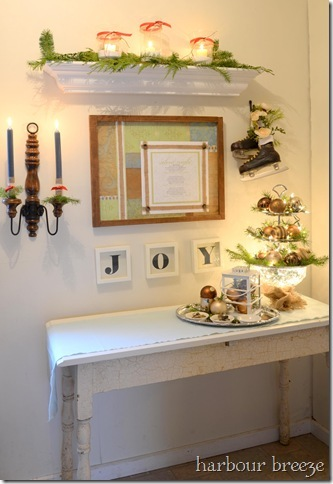 The Christmas Entryway Dresser | Harbour Breeze Home