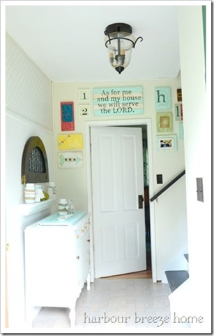 entryway-gallery-wall-final2_thumb