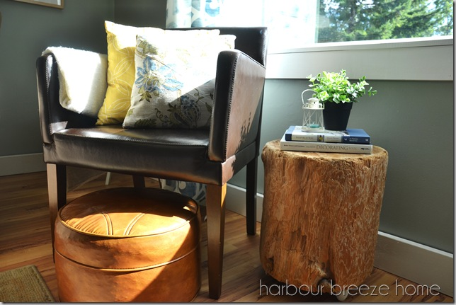 stump side table with chair