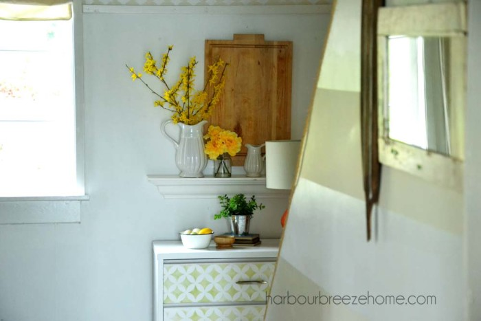 Coastal Cottage Entryway |harbourbreezehome.com