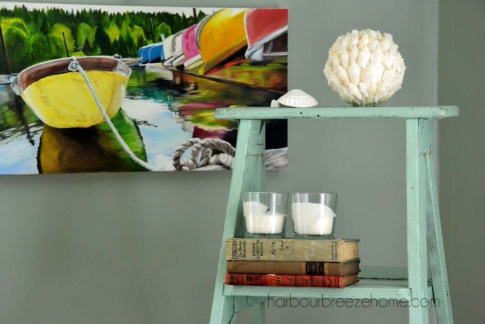 beach cottage spring decor | harbourbreezehome.com