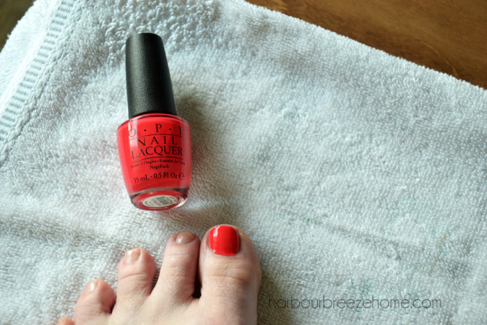 treat yourself to an a diy pedicure   harbourbreezehome.com
