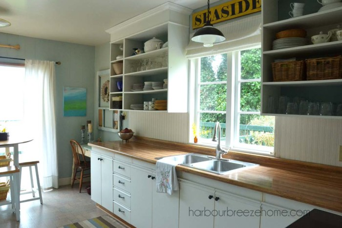 Beach Cottage Kitchen Makeover ~ For under $200, see how small changes can have huge impact on a room's overall appearance. | harbourbreezehome.com