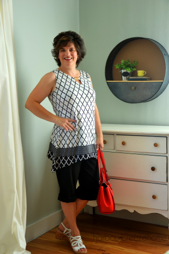 Fashion over 40 : The Tunic Top at harbourbreezehome.com