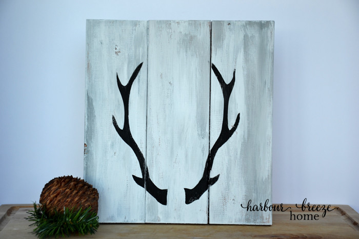 2 ways to paint antler signs on harbourbreezehome.com