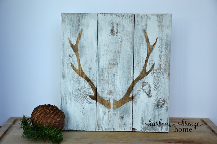 2 ways to paint antler signs at harbourbreezehome.com