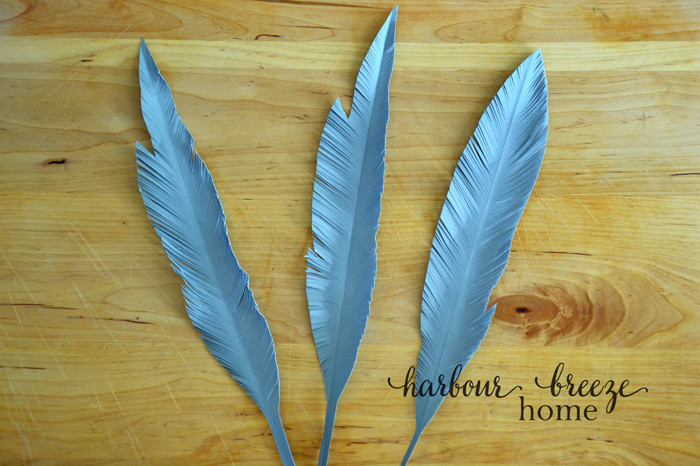 Simple Handmade Paper Feathers | harbourbreezehome.com