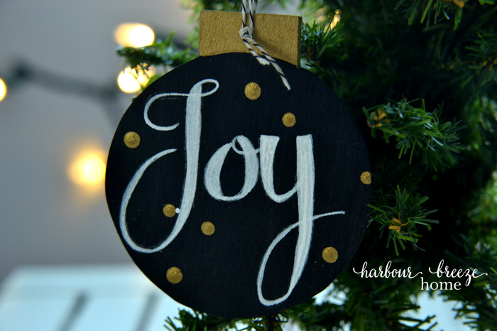 DIY Chalkboard Christmas Ornament