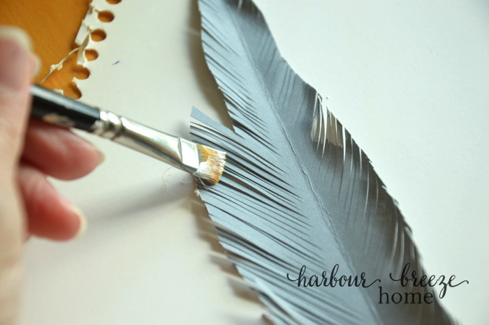 Simple Handmade Paper Feathers| in just 4 easy steps you can make your own trendy decor!