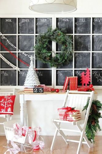 Handmade Christmas Inspirations ~ Crafts and DIY inspiration from the blogging community curated by Rita Joy at harbourbreezehome.com. This amazing Chalkboard window calendar is from Thistlewood Farms.