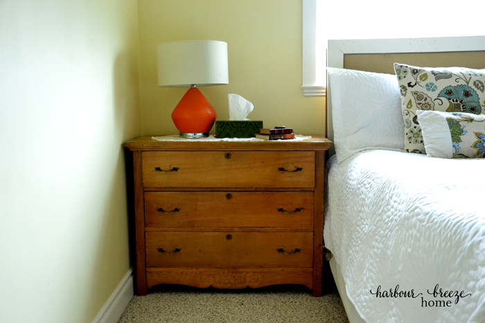 5 simple ways to organize a small master bedroom harbour 20951 | bedside dresser ps