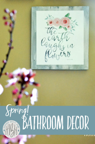 spring bathroom decor at harbourbreezehome