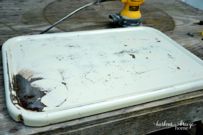 sanded tray ~ spray painting metal