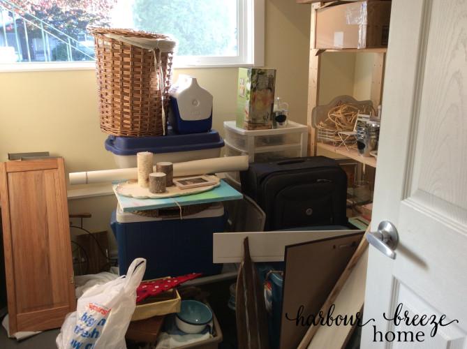 organizing decor storage | harbourbreezehome.com