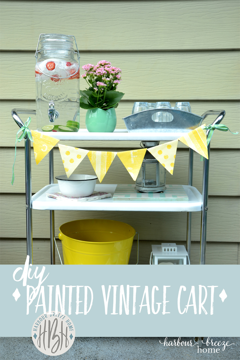 How to Use Spray Paint for a Vintage Metal Cart Makeover #farmhousestyle #spraypainting #diy #diyhomedecor #vintage #partyideas #entertaining #barbecue