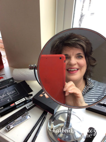 younique presenters kit selfie