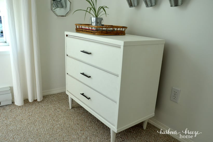 Cheater's Guide to Painting a Dresser Quick