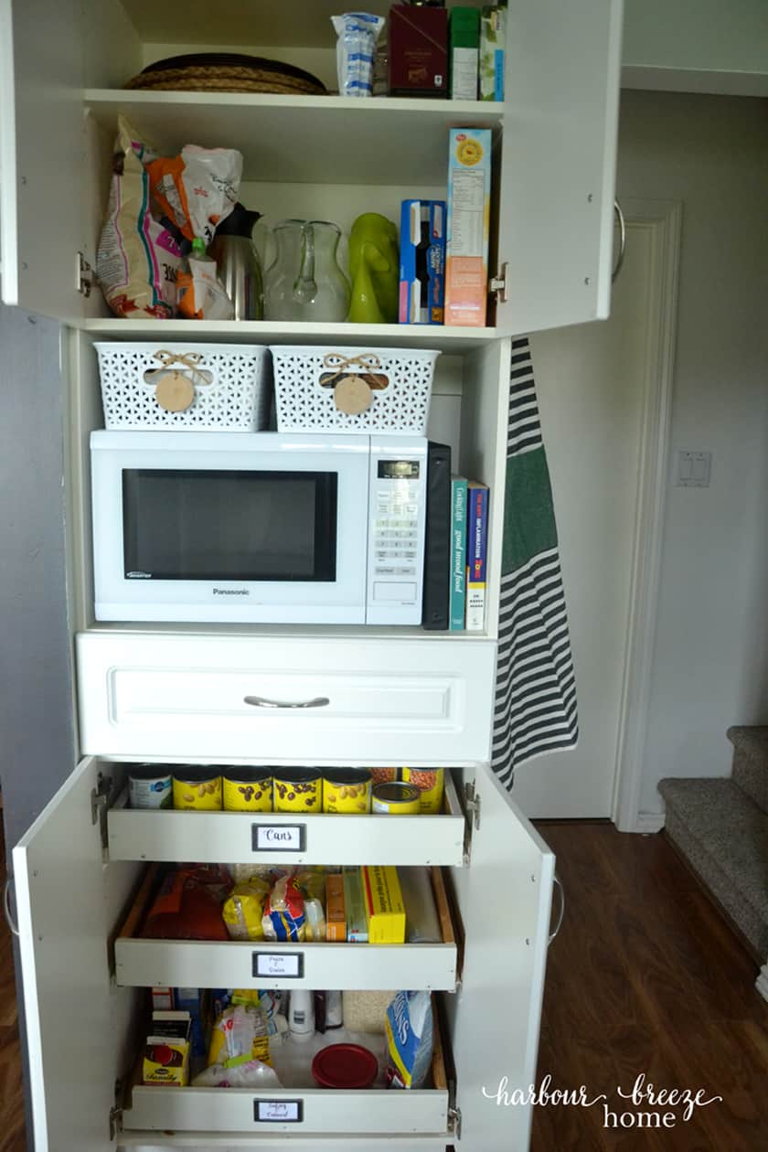 PANTRY ORGANIZATION FOR A SMALL KITCHEN