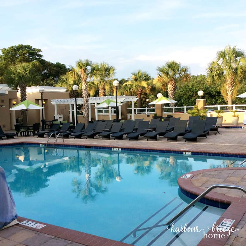 outdoor pool at the Charleston Marriot Hotel