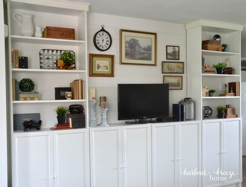 Modern Farmhouse Bookcase styling