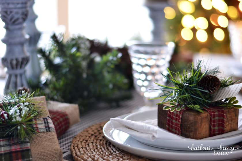 Farmhouse Christmas Table Setting