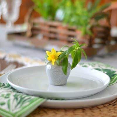 4 Quick & Simple Spring Table Decor Ideas
