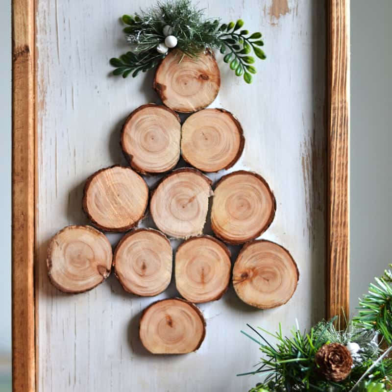 Easy DIY Wood Slice Christmas Tree Sign
