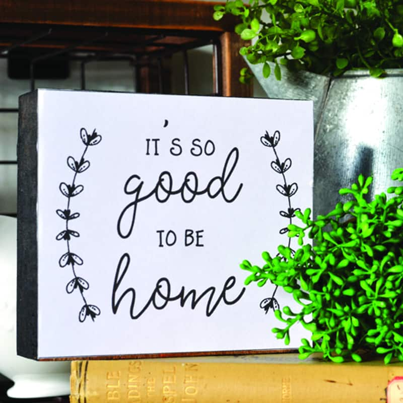 DIY Farmhouse Decor | A Simple Printable Farmhouse Sign Craft