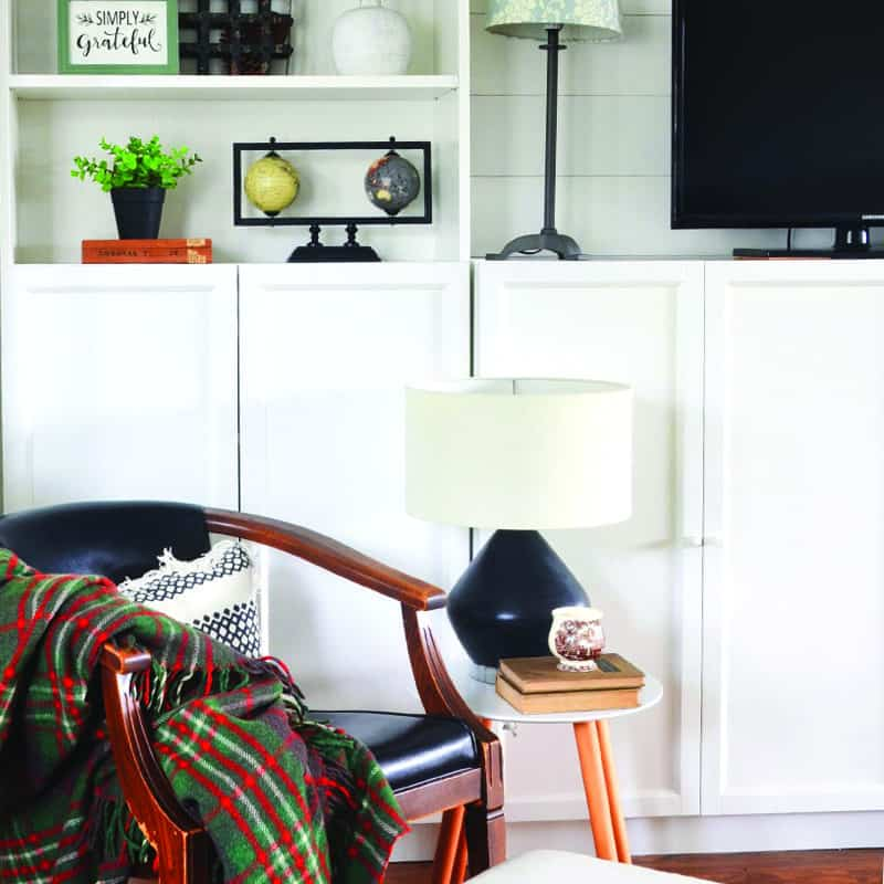 Decorating Bookshelves with 3 Key Items (you probably already have!)