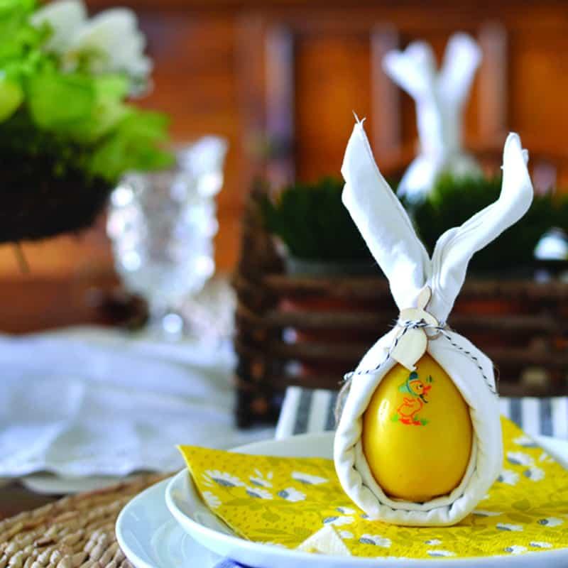A Fun & Festive Easter Tablescape