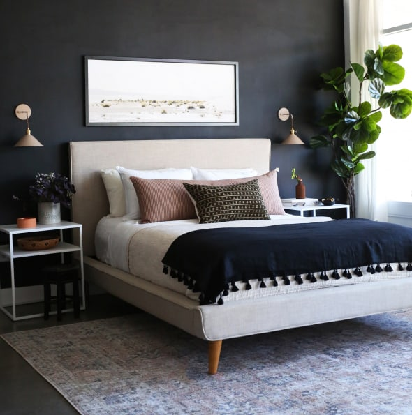 Stunning Black Accent Walls In Bedrooms For A Modern Boho Look