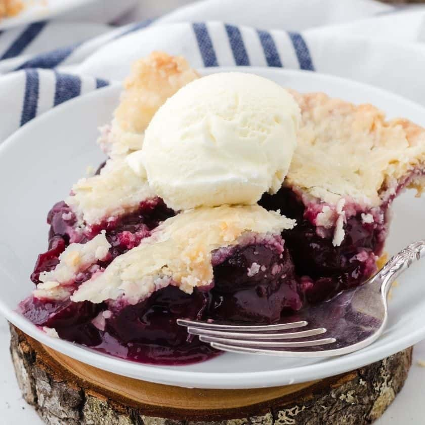 Mom's Cherry Pie with Canned Cherries