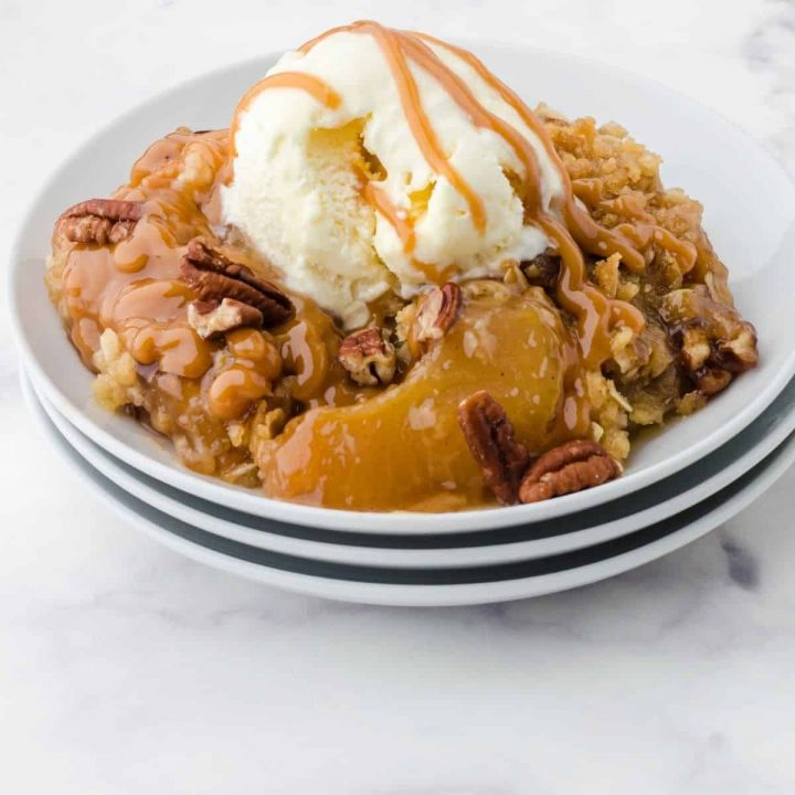 Quick & Easy Caramel Apple Crisp Recipe with Pie Filling and Oatmeal